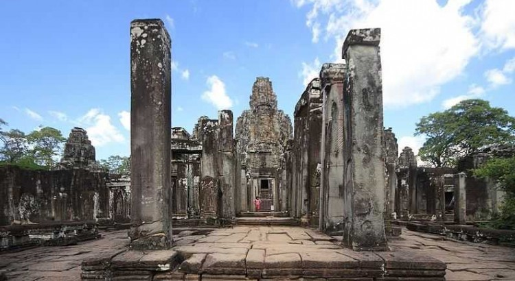 Bayon Temple, old temples in Cambodia