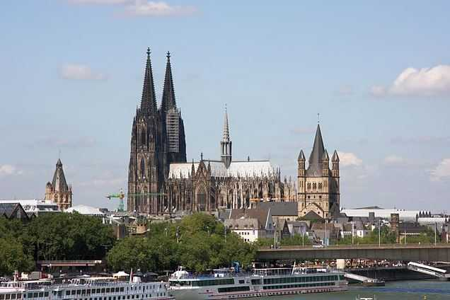 Top 10 Famous Gothic Cathedrals of Medieval Europe