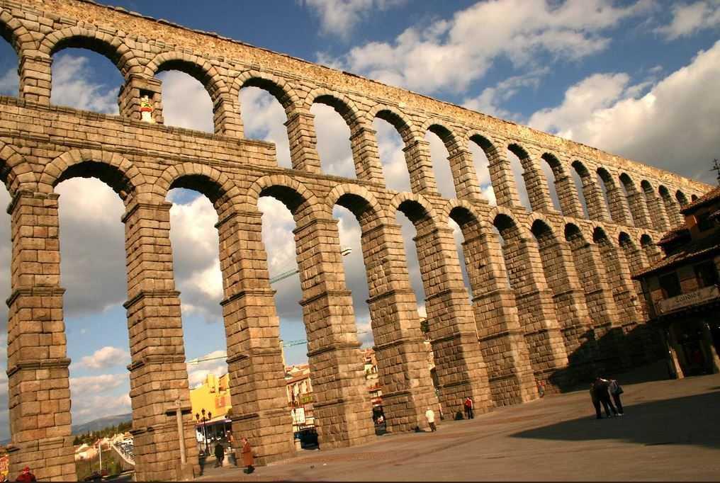 Top 10 Most Impressive Ancient Aqueducts, Aqueduct of Segovia