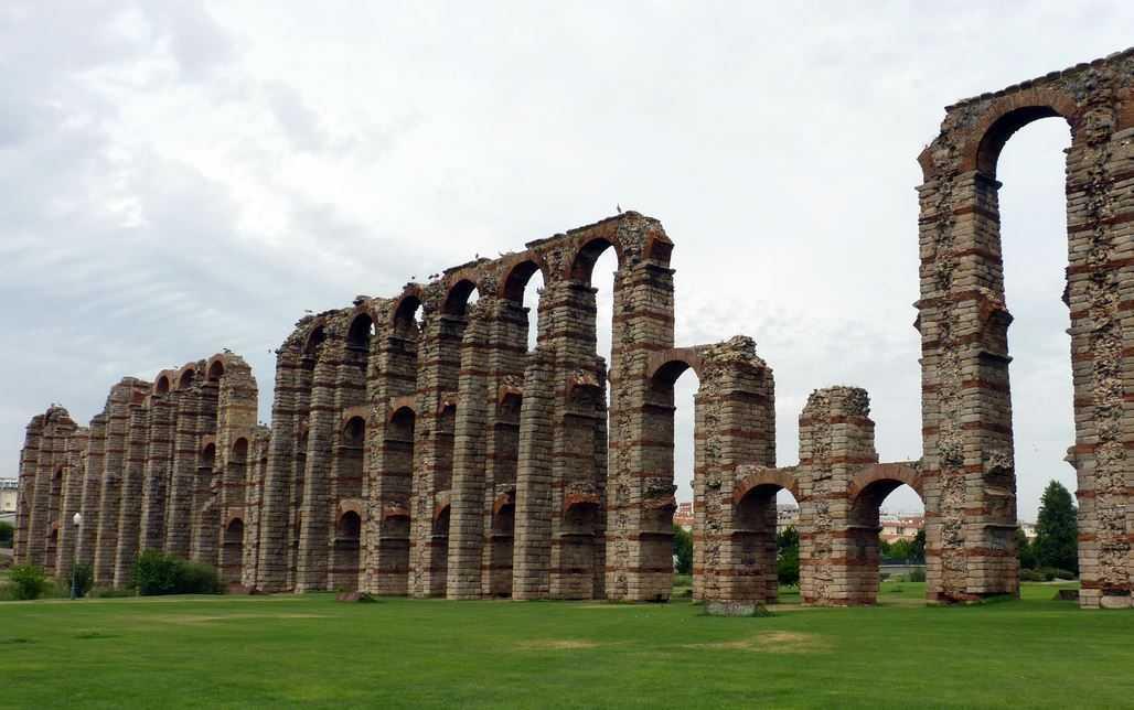 Top 10 Most Impressive Ancient Aqueducts, Aqueduct of the Miracles