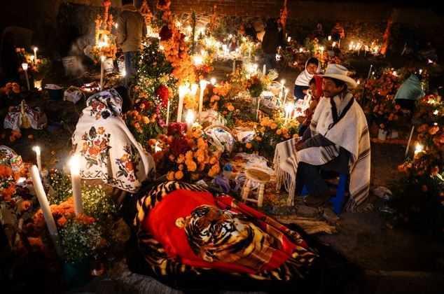 Top 10 Tourist Attractions in Mexico, Dias des los Muertos, Oaxaca