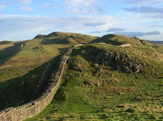 Top 10 World Famous Walls, Hadrian's Wall