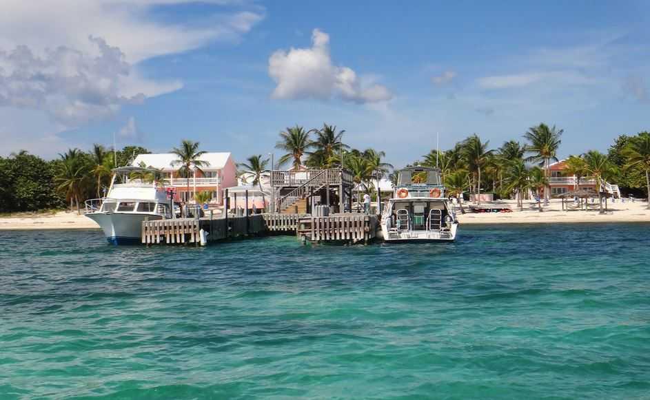 Top 10 Best Island Reefs around the World, Little Cayman