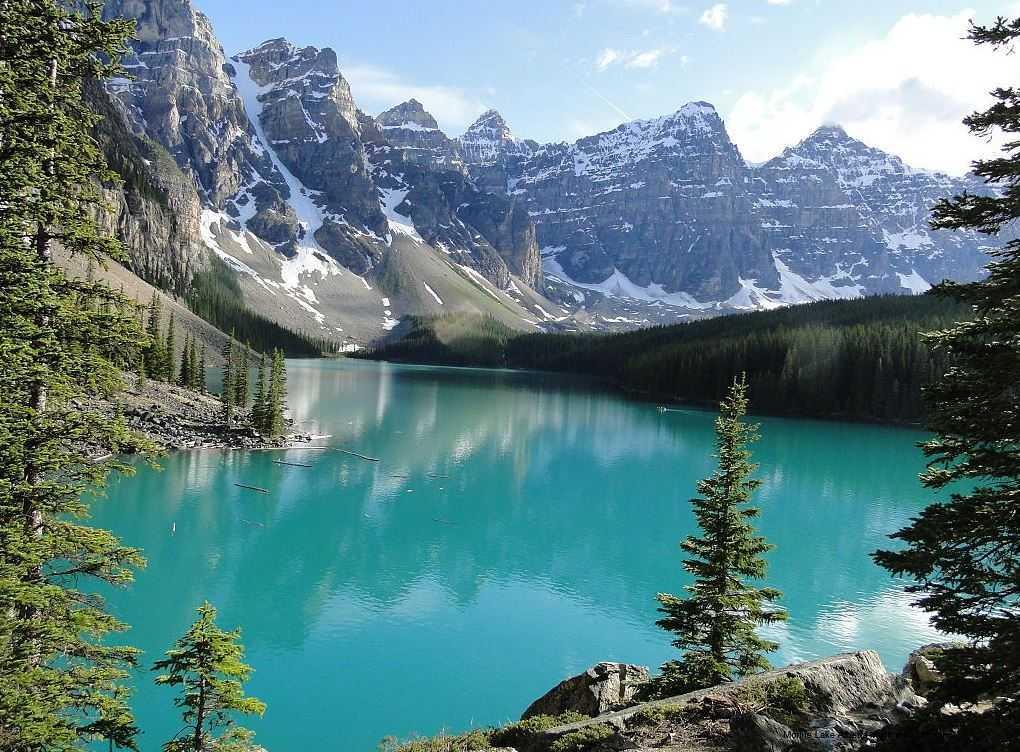 Top 10 Most Beautiful Lakes around the World, Moraine Lake