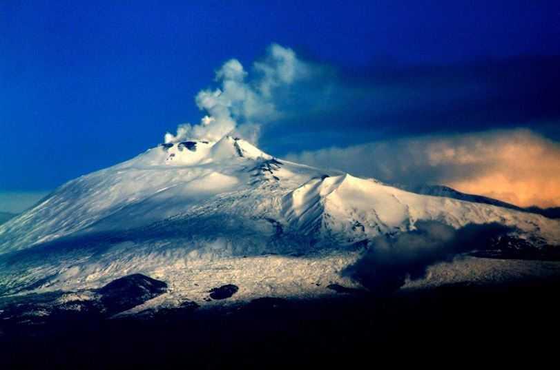 Top 10 Most Amazing Volcanoes in the World, Mount Etna