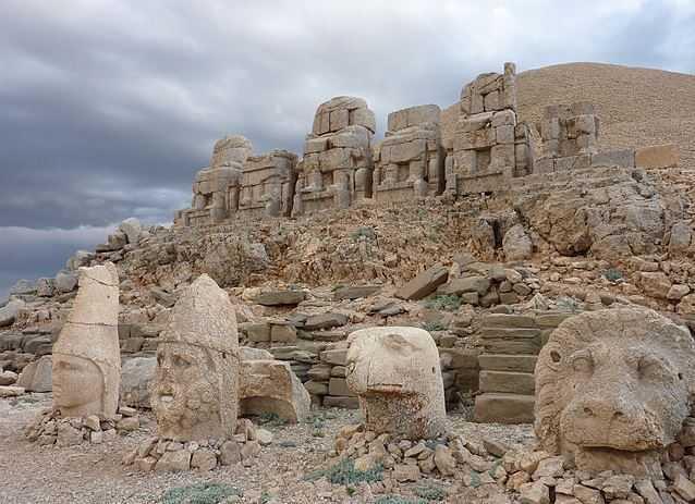 Top 10 Tourist Attractions in Turkey, Mount Nemrut