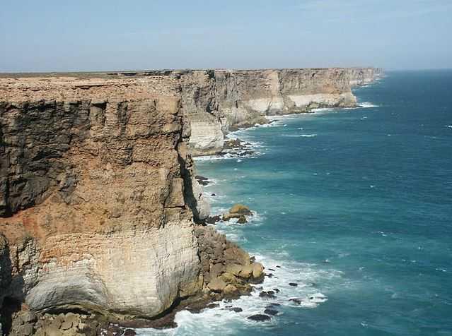 Top 10 Incredible Sea Cliffs in the World, Bunda Cliffs