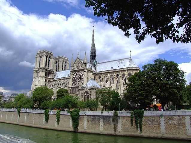 Notre Dame de Paris, gothic cathedral architecture