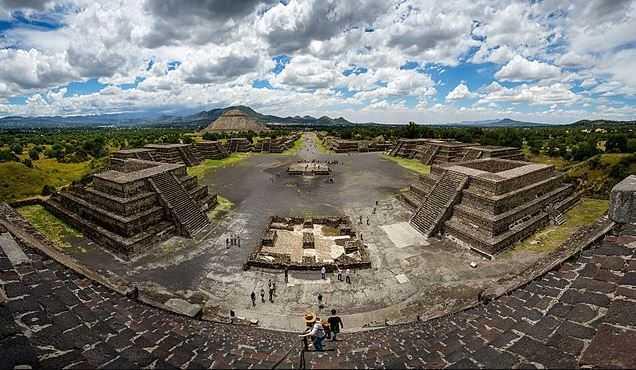 Teotihuacan, flying balloon